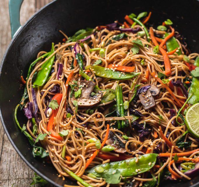 Stir-Fried Noodles and Vegetables with Sesame Seeds