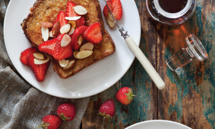 French Toast with Strawberries and Almond